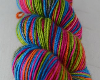 Nano - Hand-dyed self striping worsted yarn