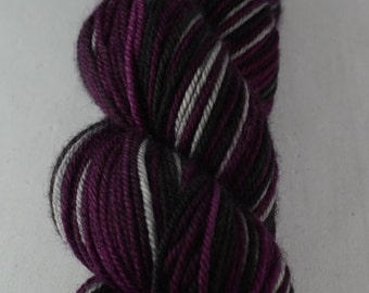 Gothic Plum - Hand-dyed self striping worsted yarn