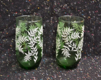 vtg 50s set of 2 green glass textured drinking / cocktail glasses