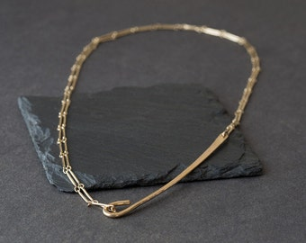 Bar Chain Hook Necklace