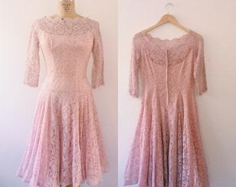 1950s dress / vintage lace dress / Bijou Blush dress