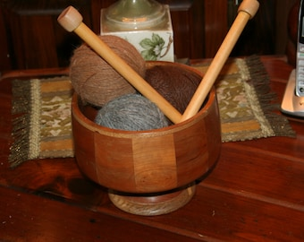 Stunning Natural Wood Pedestal Bowl Filled w 600 yards Alpaca Yarn  Complete w Vintage Knitting Needles