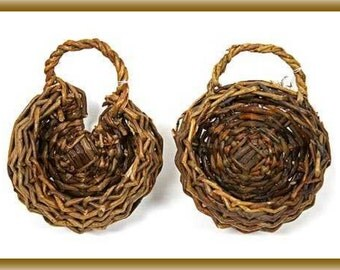 2 Round Wall Hanging Baskets