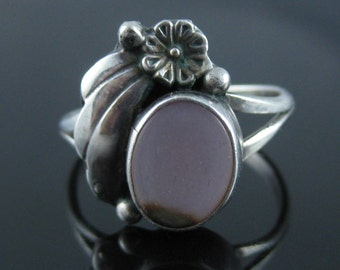 Vintage Pink Mother of Pearl Sterling Silver Ring Size 6