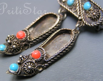 Vintage pin  brooch 900 Silver  Etruscan Revival Turquoise coral Glass Shoe charm  Jewelry
