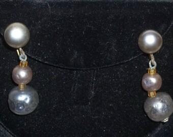 Vintage Faux Black Pearl Screw Back Earrings Gold Tone