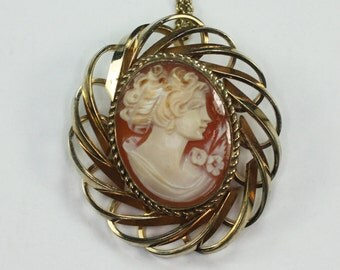 Carved Shell Cameo Brooch/Pendant Necklace Retro Vintage