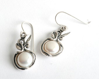 Sterling silver 925 Dangling Earrings Cabouchon Pearls