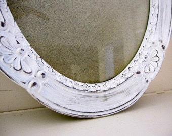FRAME, Shabby Chic Frame, Distressed Frame, White Frame, Easel Back Frame, Oval Frame 10 x 12
