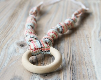 Crosstitch pattern organic cotton nursing / babywearing necklace - wooden beads, ecological teething ring and organic cotton - Free Shipping