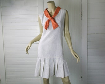 60s does 20s Shift Dress in Oatmeal & Peach- 1960s Mod Pleated Dress- Sailor Medium / Large- Biege / Off White