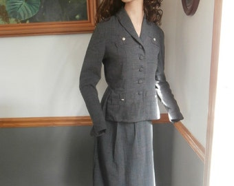 Gorgeous Designer  Womens  Suit 1950s  Day Formal Rhinestone  Suit Wiggle Dress