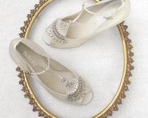 Wedding Shoes low heel with Art Deco Beaded Crystal Applique Flapper T-Strap Peep Toe Heel Silk Bridal Shoes