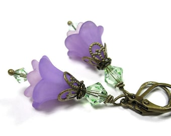 Lilac Green Flower Earrings, Pastel Purple Earrings, Gifts for Gardeners, Gifts for Mom, Floral Jewelry, Womens Accessories, Boho Chic