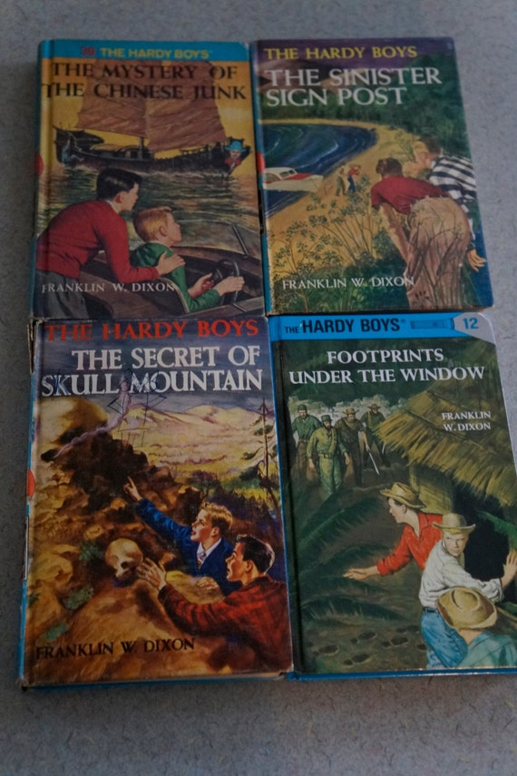 LOT OF FOUR VINTAGE HARDY BOYS BOOKS~ BOOKS 27,42,48, AND 51~ F.W DIXON