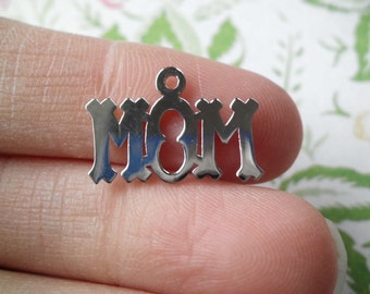 Vintage MOM CHARM