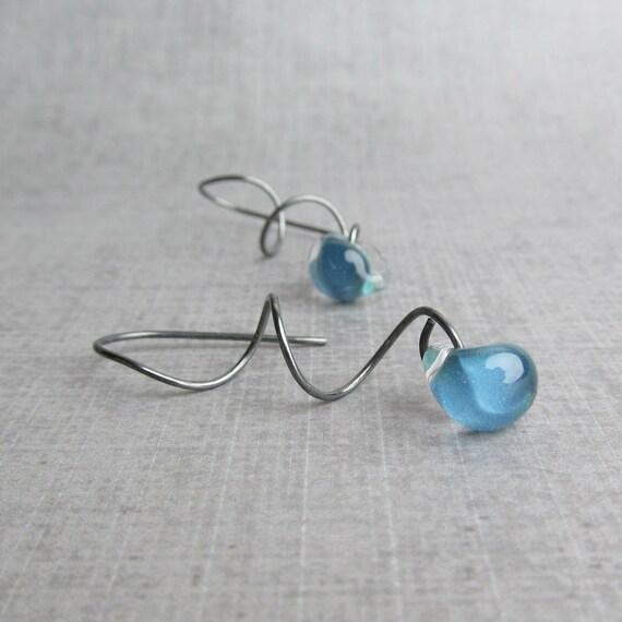 Dark Sky Blue Twist Earrings, Spiral Dangle Earrings, Ocean Blue Earrings, Oxidized Sterling Wire Earrings