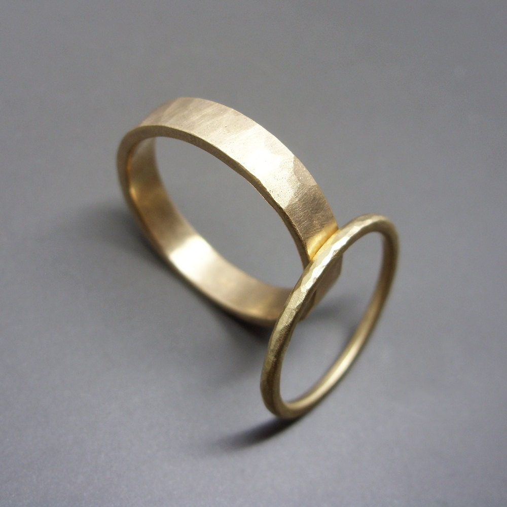 hammered matching wedding band set in solid 14k yellow or