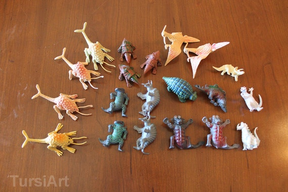 1970s Lot of 20 D&...