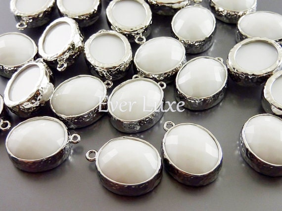 2 opaque white faceted oval glass stone in hammered bezel setting for jewelry making / glass beads 5074R-WT (bright silver, white, 2 pieces)