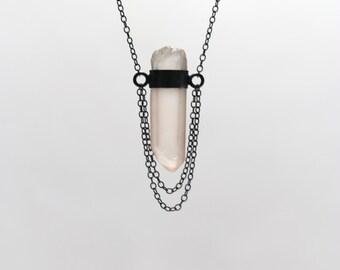 Medieval Rose Quartz Wand Necklace Black Silver Chain Minimalistic Pale Pink Unique Boho Pastel Summer - Rosenkette