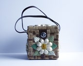 Mr. Norman Wicker Box Bag with White / Yellow Daisy