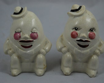 Vintage Humpty Dumpty Ceramic Salt and Pepper Shakers Set 1930's - 1940's