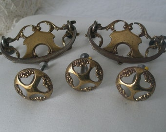 Antique 5 Piece Brass Set of Two Dresser Pulls and Three Knobs