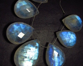 AAAAA - High Quality So Amazing - Rainbow Moonstone - Faceted Pear Briolettes Full Blue Flashy Fire Huge Size 15x19 - 18.5x27 mm - 7 pcs