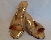 1980s Vintage Gold Lace Sandals. Classic Cocktail Wear. Open Toed Wedges. Size US 5. By Regina