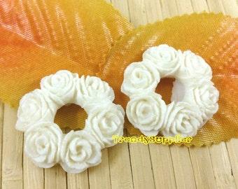 6 pcs 25mm O-shaped Flower Bouquet Cabochon, White (143)