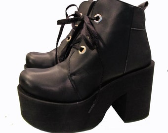 Luichiny Platform Boots Vintage Womens Black Lace Front Ankle High Clubkid Stacks Wms US Size  8