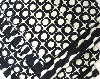 Black and White Placemats - Heat Resistant - Reversible Placemats - Batik Placemats - Modern - Contemporary - Set of 4