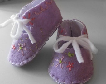 Retro Style Purple Daisy Booties