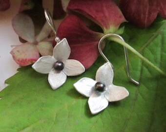 Fine silver flower blossom earrings with black pearls