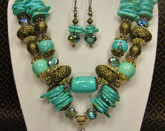 GOLD / TURQUOISE COLOR Howlite Chunky Statement Cowgirl Western Necklace - GoLDeN CoWGirL CRoSs