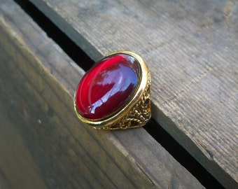 vintage brass ring / resin ring / statement ring / RED RESIN RING