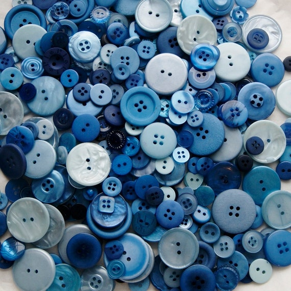 100 Blue Buttons, Royal Blue, Dark Blue, Bright Blue, Sky Blue, Powder Blue, Navy Blue  Mix, Sewing, Crafting Jewelry Collect  (581)