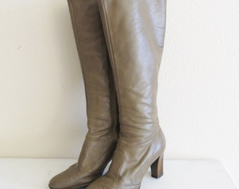 Vintage 1970's Tall Beige Nude Leather Boots / Heeled Hippie Tall Boots / Size 7 US Joyce of California