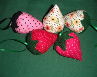 Strawberries Pincushions / Set of two Fabric Ornaments / Handmade
