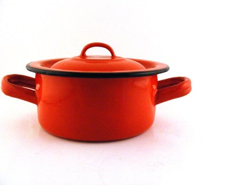 Red Enamelware Pot with Lid Small French 12cm Teapot Logo Vintage Sauce Pan with Handles French Country Decor