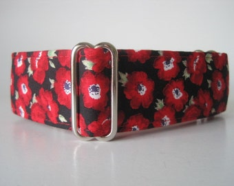Red Martingale Collar, Poppies Martingale Collar, Red Dog Collar, Poppies Dog Collar, Dog Collars Canada, Remembrance Day