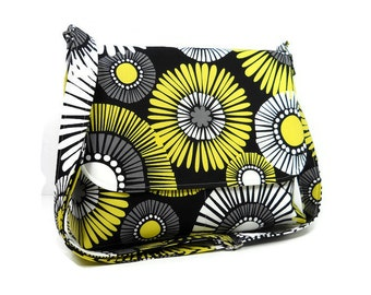 Daisy Purse, Black and Yellow Messenger Bag for Women, Fabric Crossbody Bag, Cross Body Pocketbook, Floral Handbag, Cotton Bag, Fabric Purse
