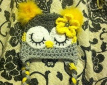 Grey and yellow owl hat