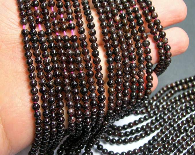 Red Garnet - round  -  4mm round -  102 beads -  full strand - RFG112