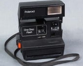 1980s Polaroid One Step Flash Camera Tested It works 600 Film Excellent condition, Very clean, Made in the UK/Great Britain