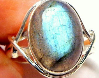 Sz 8,Labradorite Ring,Unisex,Sterling Silver,Gothic Gemstone Ring, Mystical Stone,Hand Crafted,Gothic Jewelry,Steam Punk Goth,Holiday Sale