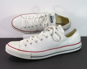 converse sneakers shoes mens 12 D white chuck taylor  canvas all star skater basketball retro