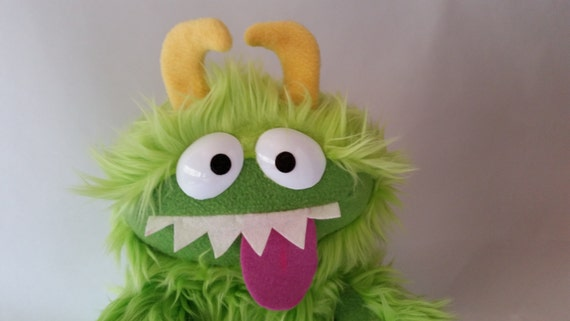 GRUBBLEFUZZ new monster plushes by David Stephens (lime green)