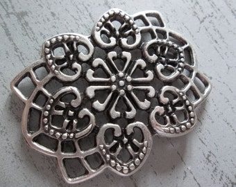 Large Silver Heart Bouquet Medallion Pendant - Ethnic Style - Oxidized & Antiqued Silver Sterling Plated Pewter - Qty 1